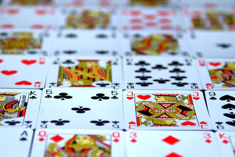Pinnacolo: storia e regole del gioco
